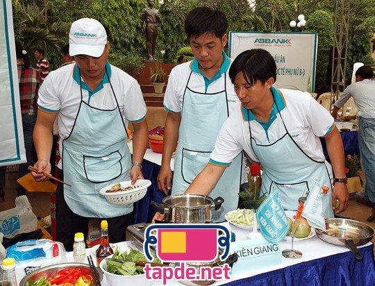 """ABBANK may tạp dề tổ chức """"Hội thi nấu ăn 2012"""" chào mừng ngày 8-3"""