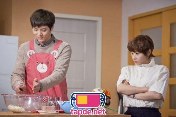 Mỹ nam Hàn mặc tạp dề gây sốt khi đảm đang vào bếp